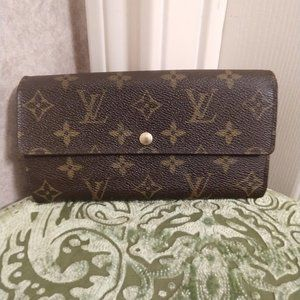 Louis Vuitton Sarah Long Credit Wallet